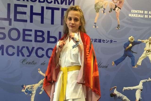 13-летняя Маргарита Аникина показала первый результат среди девушек в весе до 55 кг.
