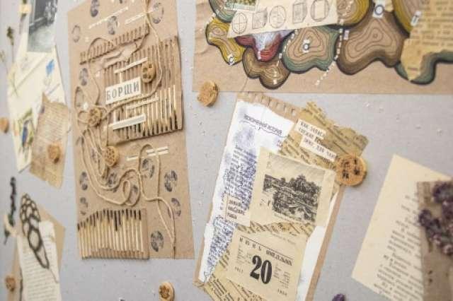 Для работ художники использовали тушь, перо и акварельные маркеры, джинс, салфетки, полиэтилен, спички, фотографии, гербарий, чечевицу