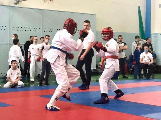 Всего в рамках турнира прошло более 100 боёв.