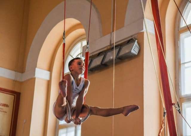 На турнир в Великий Новгород приехали около 100 спортсменов, тренеров и представителей.
