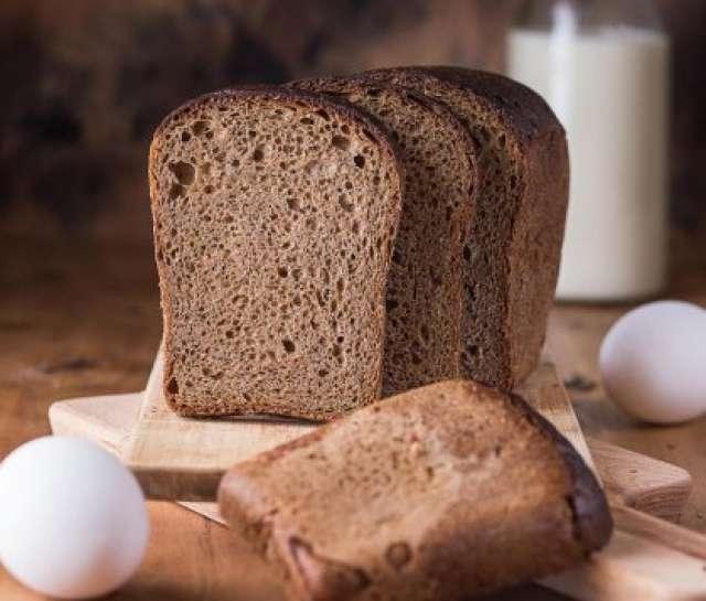 Субсидии хлебопекарным предприятиям области составили 1,1 млн рублей. Эта господдержка введена в 2021 году: она помогает хлебопёкам стабилизировать цены на хлебобулочные изделия с коротким сроком хранения.