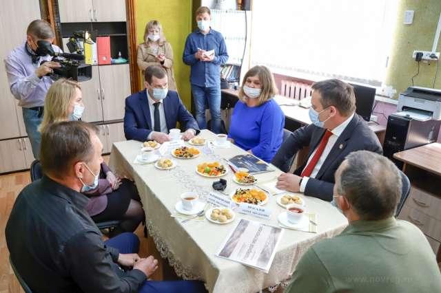 Андрей Никитин встретился с жителями Новгородского района, заключившими соцконтракты.