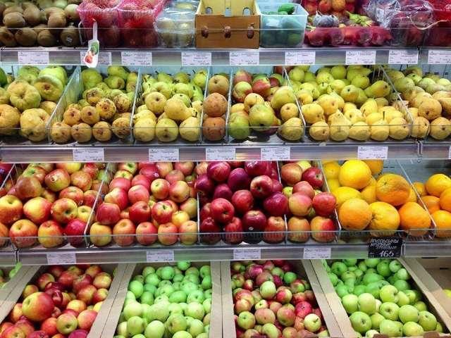 Снижение цен на фрукты и крупы замедлило инфляцию в Новгородской области