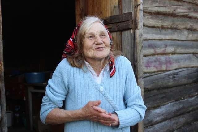 Вера Петровна Пономарёва из Сольцов поблагодарила волонтёров за помощь.