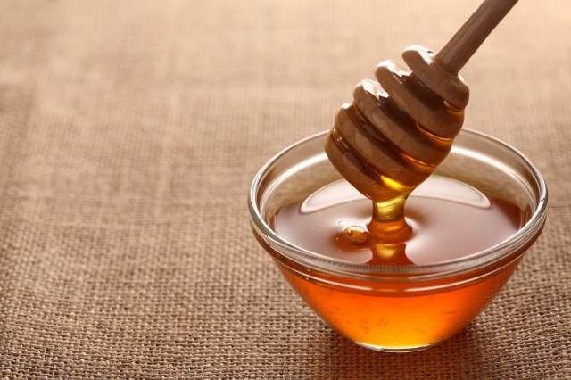 Сотрудники Управления Россельхознадзора проверили мёд на соответствие всем ветеринарно-санитарным требованиям.
