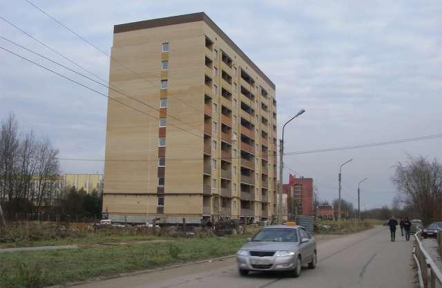 Многоэтажка, рассчитанная на 72 квартиры, готова примерно на 80%.