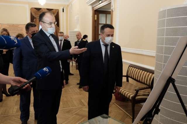 Андрей Никитин также поблагодарил работников архива за участие в федеральном проекте «Без срока давности»