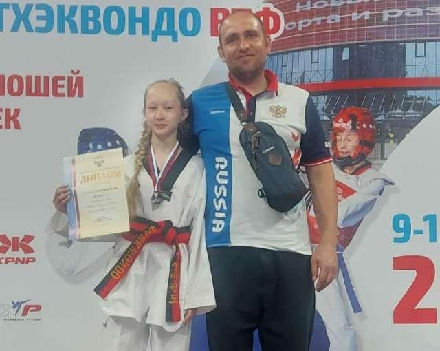 Воспитанница тренера новгородского клуба «Дракон» Евгения Гудкова выиграла на первенстве четыре поединка в разделе керуги.