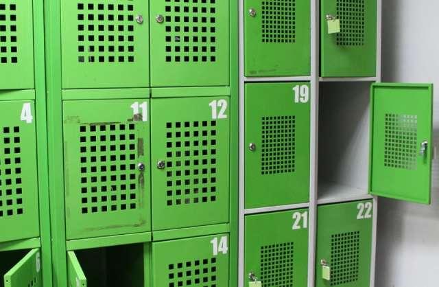 Парфинские полицейские раскрыли кражу кошелька из камеры хранения в магазине