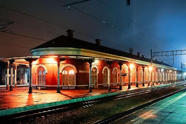 Из Санкт-Петербурга на поезде, заплатив до 1 000 рублей за билет в одну сторону, можно уехать в четыре разных региона: Республику Карелия, а также Новгородскую, Псковскую и Тверскую области