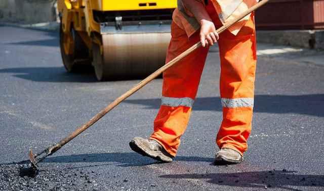 На ремонт дорог в Боровичском районе выделили почти 1 миллиард рублей
