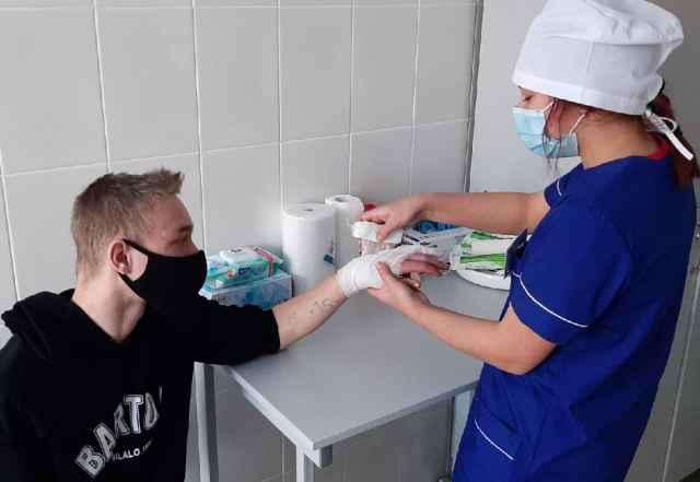 В Старорусском медколледже последний день приёма документов от абитуриентов — 10 августа. Иногородним студентам предоставляется общежитие.
