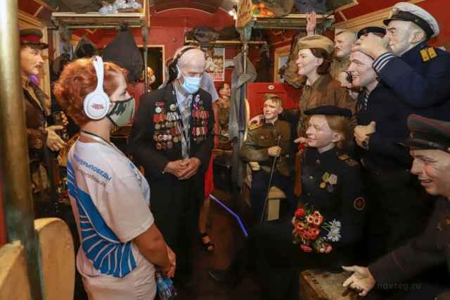 Каждый из девяти вагонов передвижного музея – это уникальная история, в которой переплетены события военных лет, факты, судьбы и воспоминания людей.