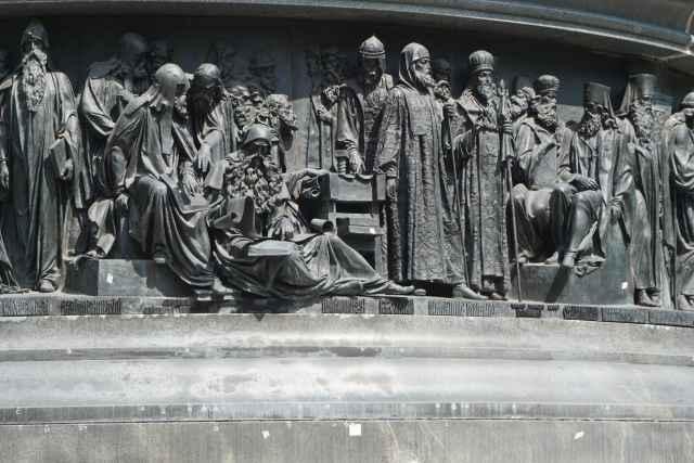 В Новгородском кремле проводят лазерное сканирование памятника «Тысячелетие России»