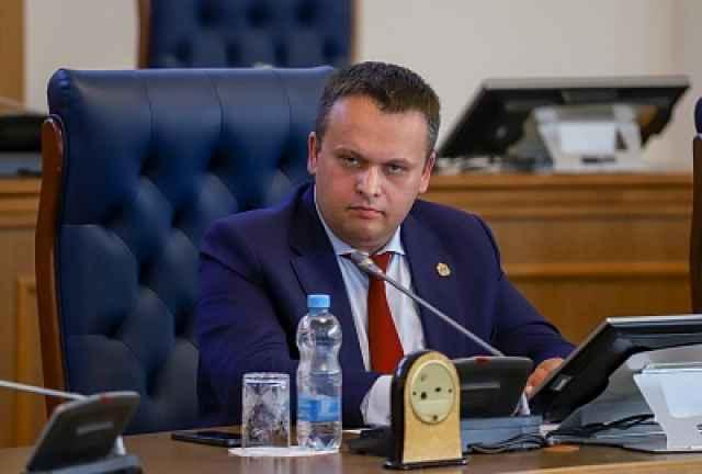 Часть коммерческой задолженностей, имеющейся у Новгородской области, будет заменена на бюджетные кредиты