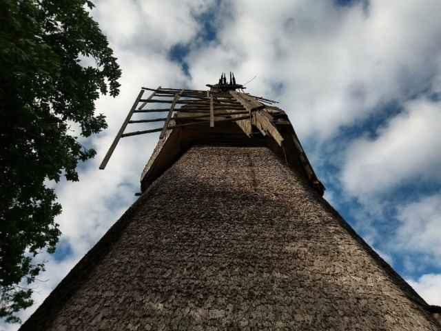 По словам главы Новгородского района, администрация ищет любые способы, чтобы отремонтировать мельницу.