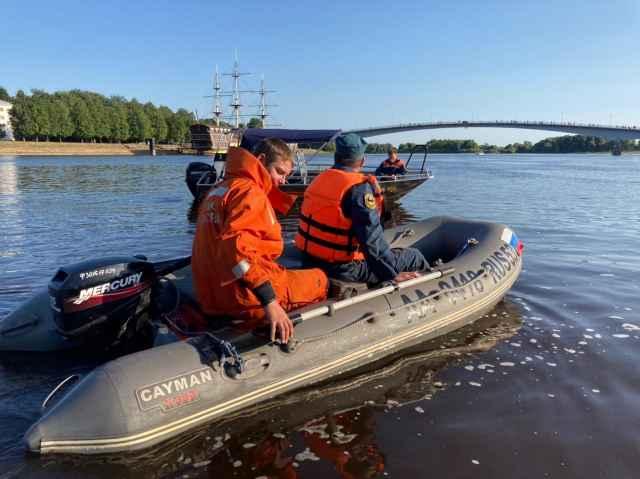 Главное управление МЧС России по Новгородской области рекомендует соблюдать требования безопасности на воде.