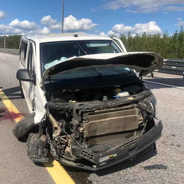 В результате аварии пятеро пассажиров Volkswagen получили телесные повреждения.