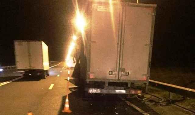 В результате ДТП водители обоих фургонов с телесными повреждениями доставлены в медицинские учреждения.