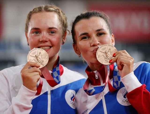 6 августа российские спортсменки Мария Новолодская и Гульназ Хатунцева завоевали медали на велотреке – взяли бронзу в парной гонке мэдисон.