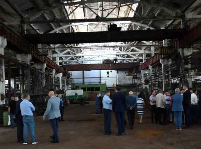 Представители компаний на месте оценили производственные площади и условия технопарка «Русская промышленность».