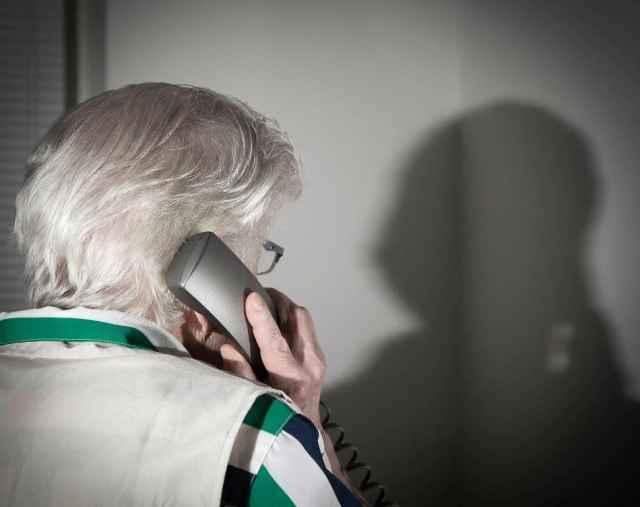 Спустя несколько часов жительница райцентра перезвонила своему сыну, который оказался дома и ни за какой помощью к ней не обращался