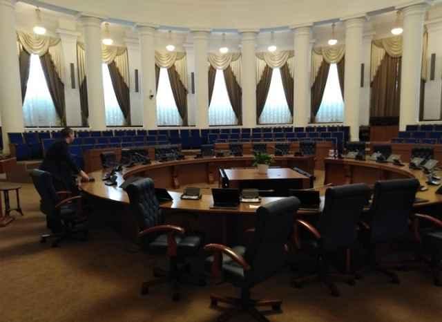 За пять лет депутаты провели 76 заседаний.