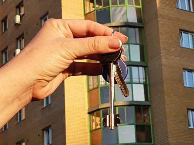 Сейчас регионы расселяют жителей из аварийного жилья, признанного таковым на начало 2017 года.