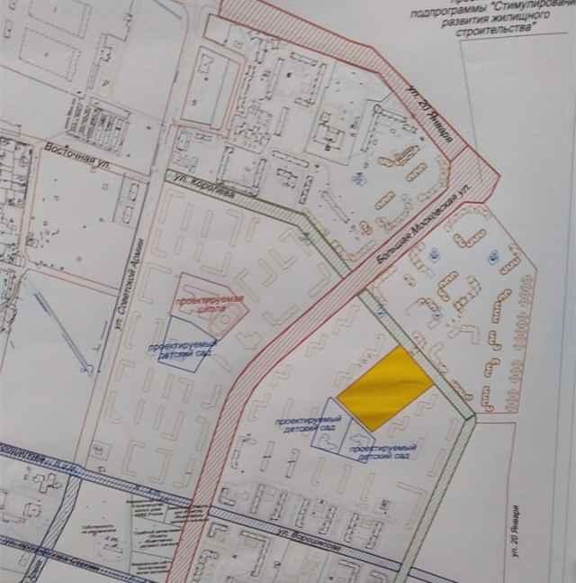 Жёлтым цветом обозначено место строительства новой школы.