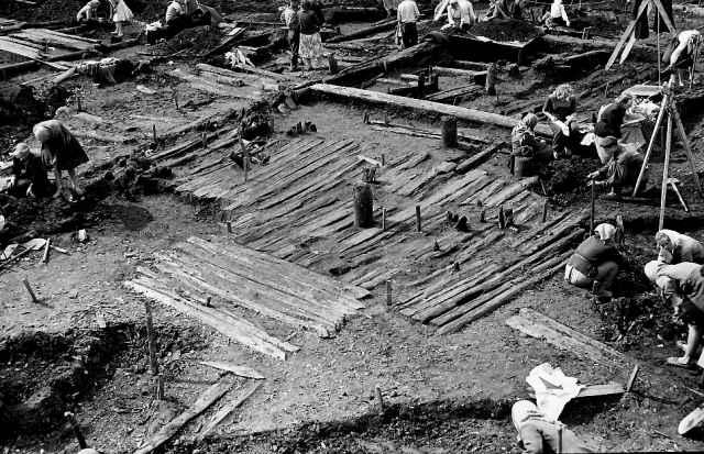 Грамоту обнаружили в 1952 году на Неревском раскопе