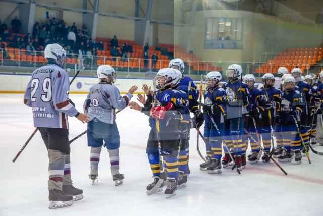 В турнире приняли участие шесть команд из Республики Карелия, Санкт-Петербурга и Великого Новгорода.