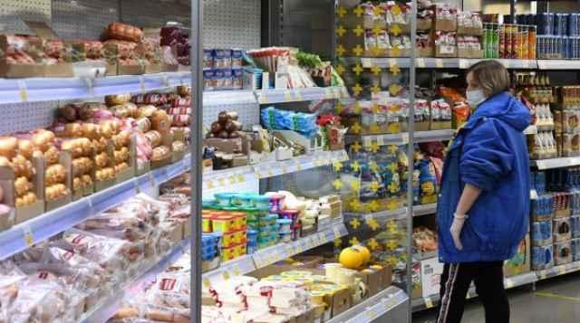 Оборот розничной торговли увеличился в 80 регионах страны.