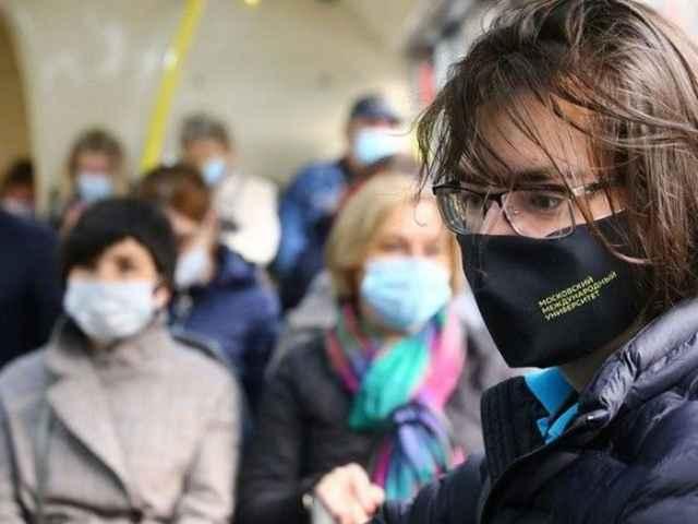 Увеличилось количество завозов коронавируса в Новгородскую область, так как население возвращается из отпусков.