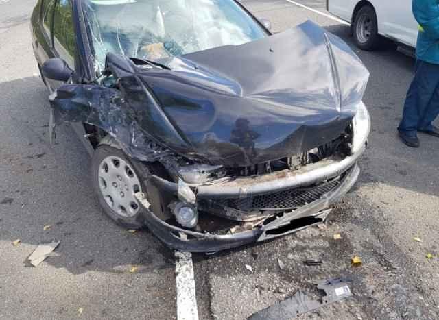 61-летнюю пассажирку «Пежо» доставили в медицинское учреждение.