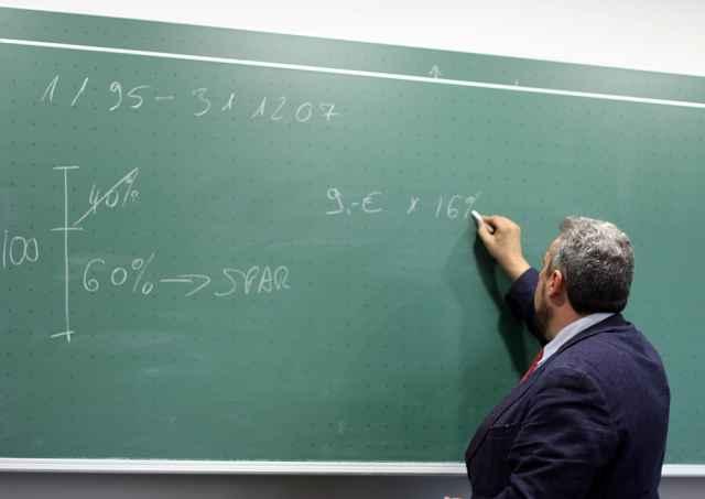 Вести математику Анатолий Белоусов будет у учащихся 5 и 6 классов.