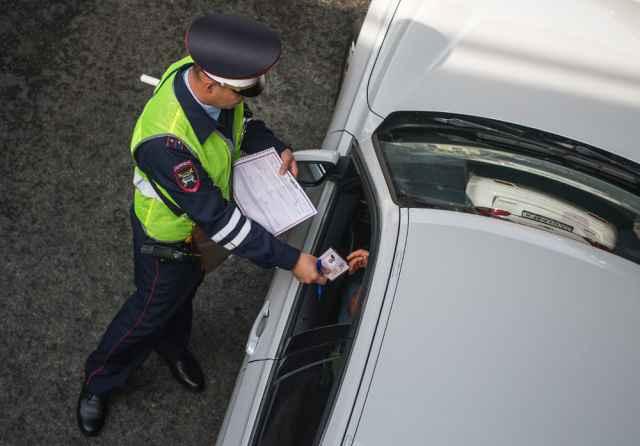 За прошедшую неделю сотрудниками ГИБДД от управления транспортными средствами были отстранены 40 автомобилистов в пьяном состоянии.