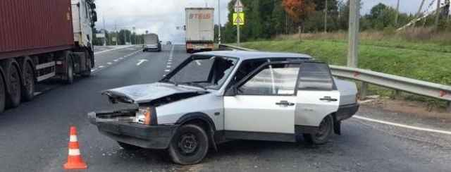 Водитель «ВАЗа» получил ушиб грудной клетки.