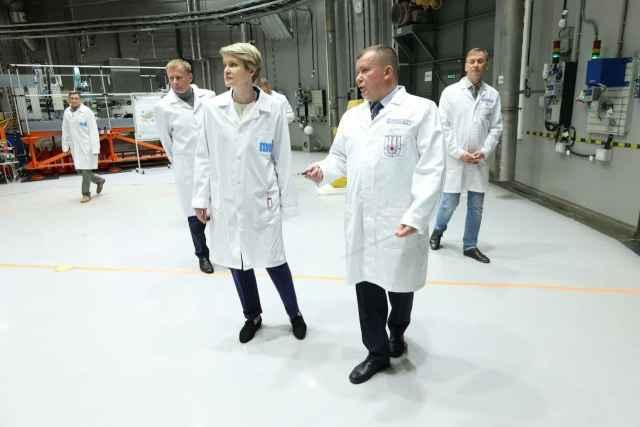 Елена Шмелёва внесла конкретные предложения по изменению порядка проведения конкурсов на научные исследования.