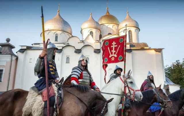 Маршрут конницы пересекает пять регионов России – Ярославскую, Московскую, Тверскую, Новгородскую и Псковскую области.