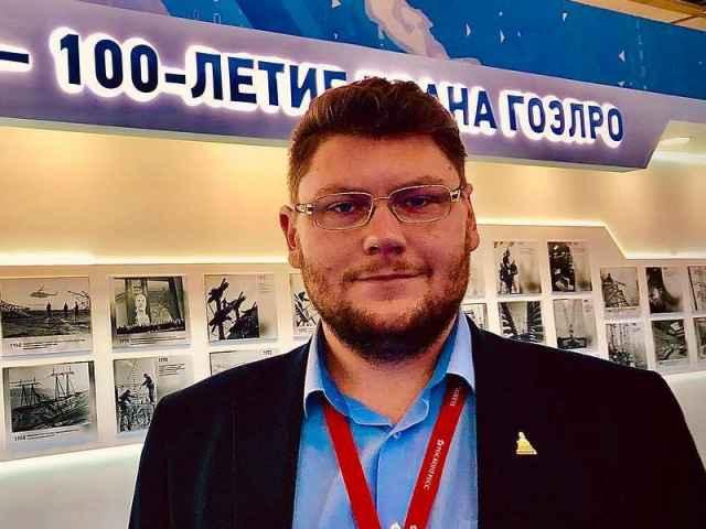 Константин Харламов получил высшее образование по направлению «Теплоэнергетика и теплотехника».