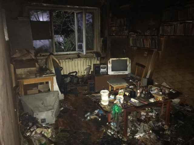 Пожар возник в одной из квартир жилого дома по Техническому проезду.