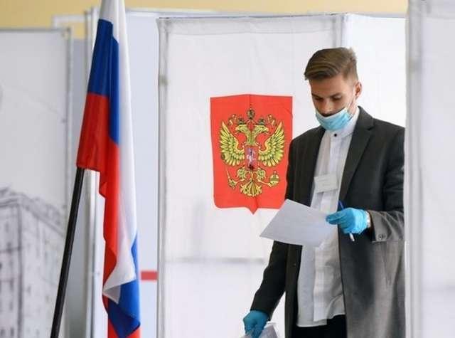 Сделать свой выбор смогут 108 млн избирателей, находящихся в РФ, и еще 2 млн россиян, проживающих за рубежом.
