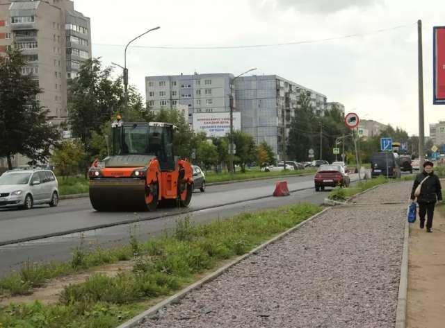 В ходе ремонта на улице Кочетова приведут в порядок и тротуар, ведущий к детской поликлинике.