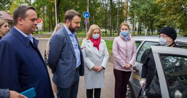 Помощник президента Максим Орешкин обсудил с новгородцами их обращения к главе государства