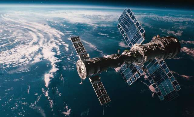 Выпускники НовГУ смогут разрабатывать инструменты для создания виртуальных миров в фильмах и сериалах. Пример такой работы – фильм «Салют 7» о космосе, где создали цифровую модель Земли.