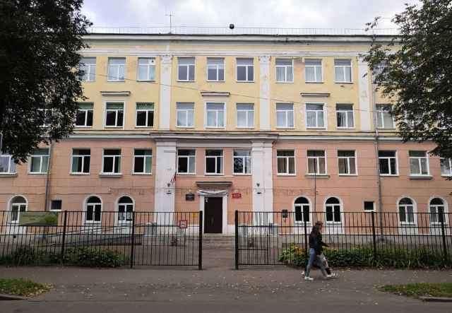 Школа № 4 Великого Новгорода скоро предложит детям и их родителям изучить 3D-макет Словенского конца города, а потом и прогуляться по этим улочкам.