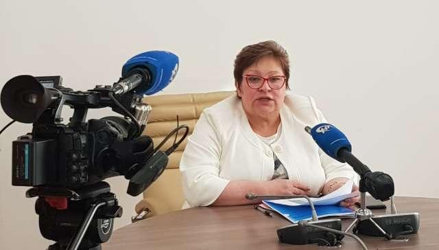 Председатель Избирательной комиссии Новгородской области Татьяна Лебедева сообщила, что на 10 часов утра 19 сентября явка по выборам кандидатов в Госдуму РФ в среднем по области составила 24,76%.