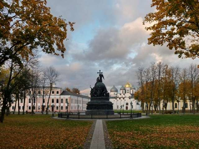 Брендированные сувениры с использованием музейных коллекций и главных культурных символов Великого Новгорода могут выпускаться в разных ценовых сегментах и для туристов разных возрастов.