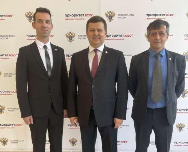 Перед комиссией Министерства науки и высшего образования выступили Юрий Боровиков, Сергей Чеботарёв и Сергей Аванесов.