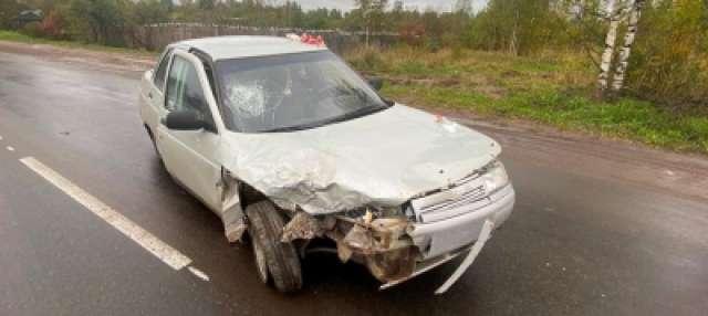 Находившаяся в «Ладе» 18-летняя пассажирка получила перелом носа.